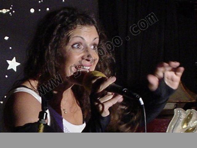 Podés cantar con micrófonos