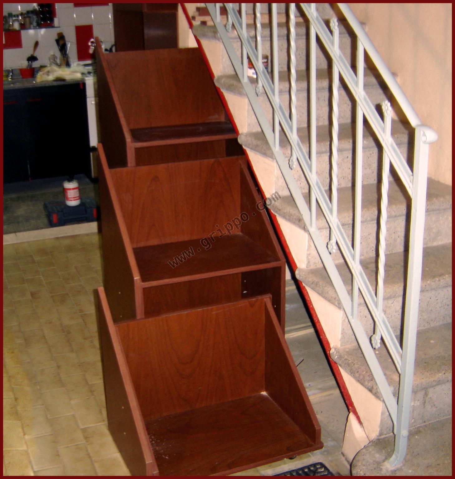 Mueble bajo escalera soluci n para espacios peque os for Mueble bajo escalera