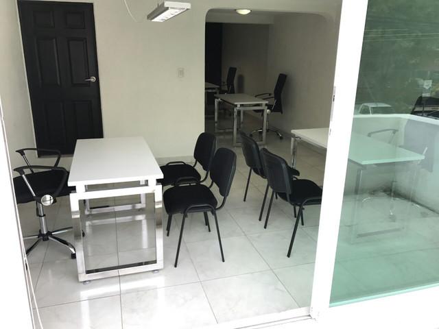 Consultorio Médico  En Valle Del Campestre