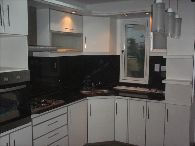 Amoblamientos de cocina muebles de cocina vestidores for Placares johnson