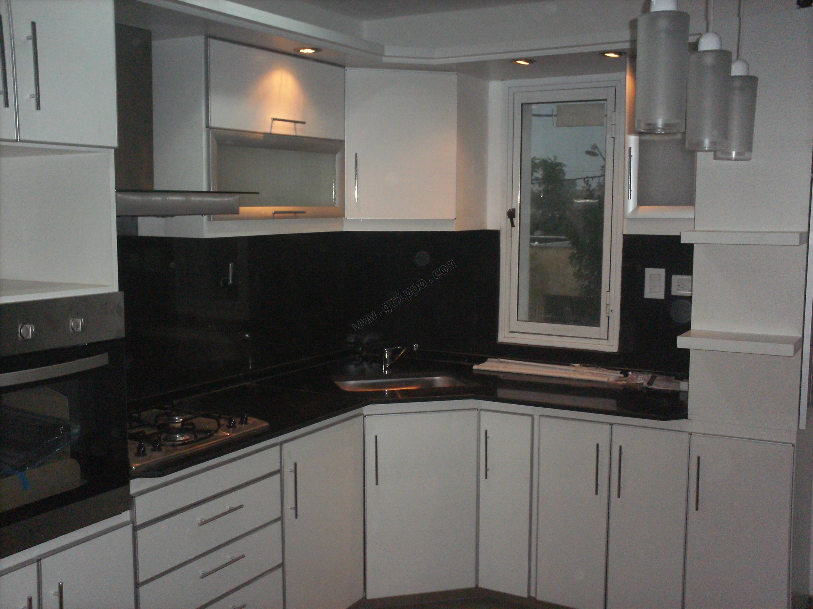 Amoblamientos de cocina muebles de cocina vestidores for Techos para cocinas