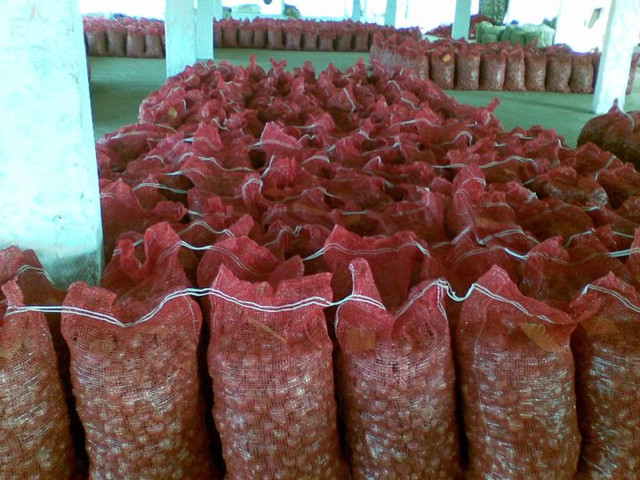 We are exporters of Fresh Vegetables and Spices