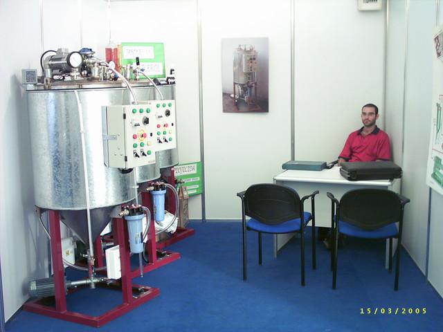 Fabrican biodiesel a bajo costo: 0,44 Usd/L