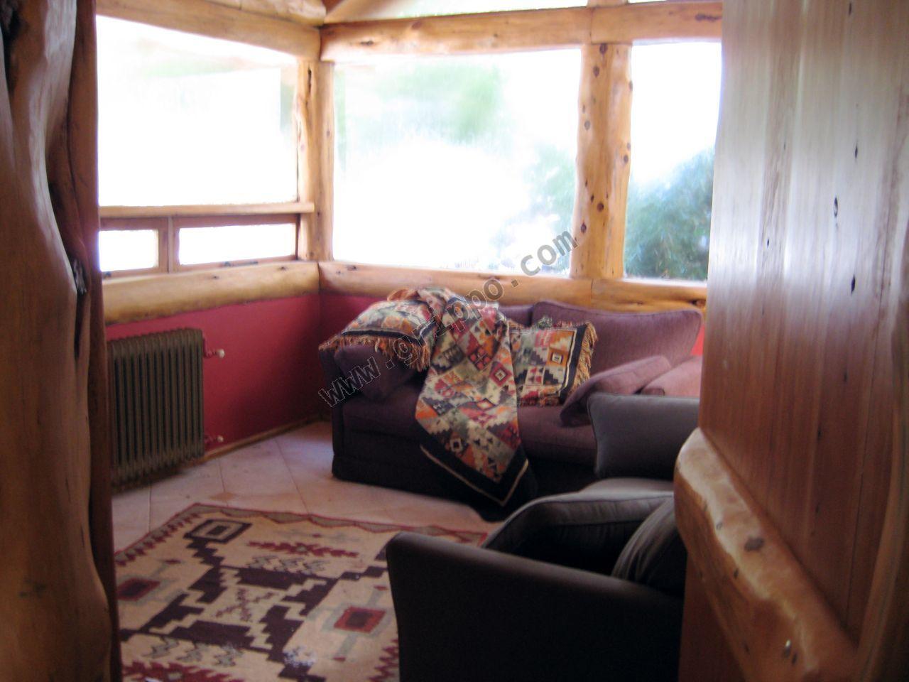 Alquiler casa de piedra y madera en bosque for Casas de piedra y madera