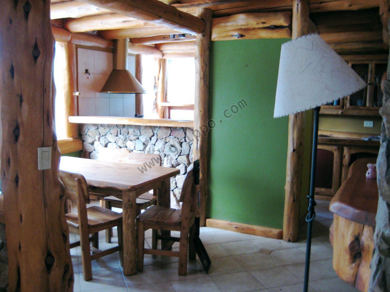 Alquiler casa de piedra y madera en bosque - Casas piedra y madera ...