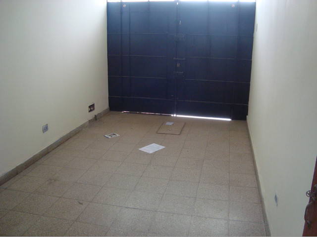 Vendo bella Casa en Comas Urb.  El Pinar Calle  75 de  120 mts2  AT