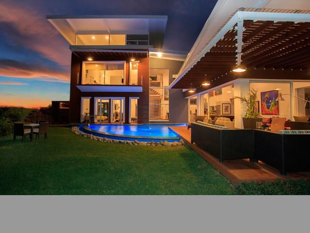 Casa en Condominio Valle del Sol, Santa Ana, Costa Rica