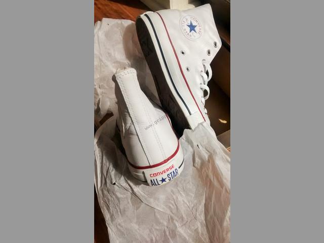 Zapatillas converse de cuero Nº 37 1-2 Nuevas