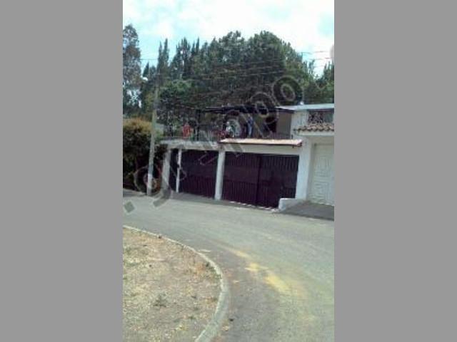 Vendo Casa en San Cristobal Sector b1