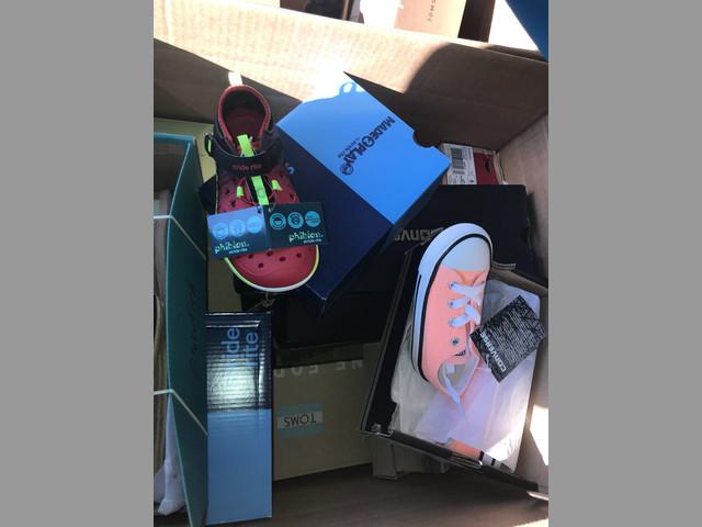 zapatos y tenis en lotes y pallets desde L.A  a Mexico por mayoreo