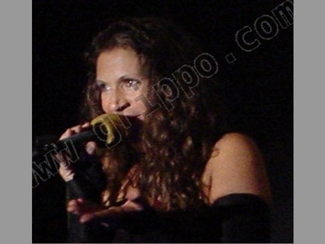 A cantar o hablar con o sin micrófono
