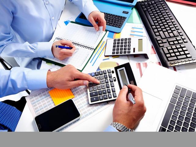 Encargada de contabilidad para despacho con servicios profesionales.