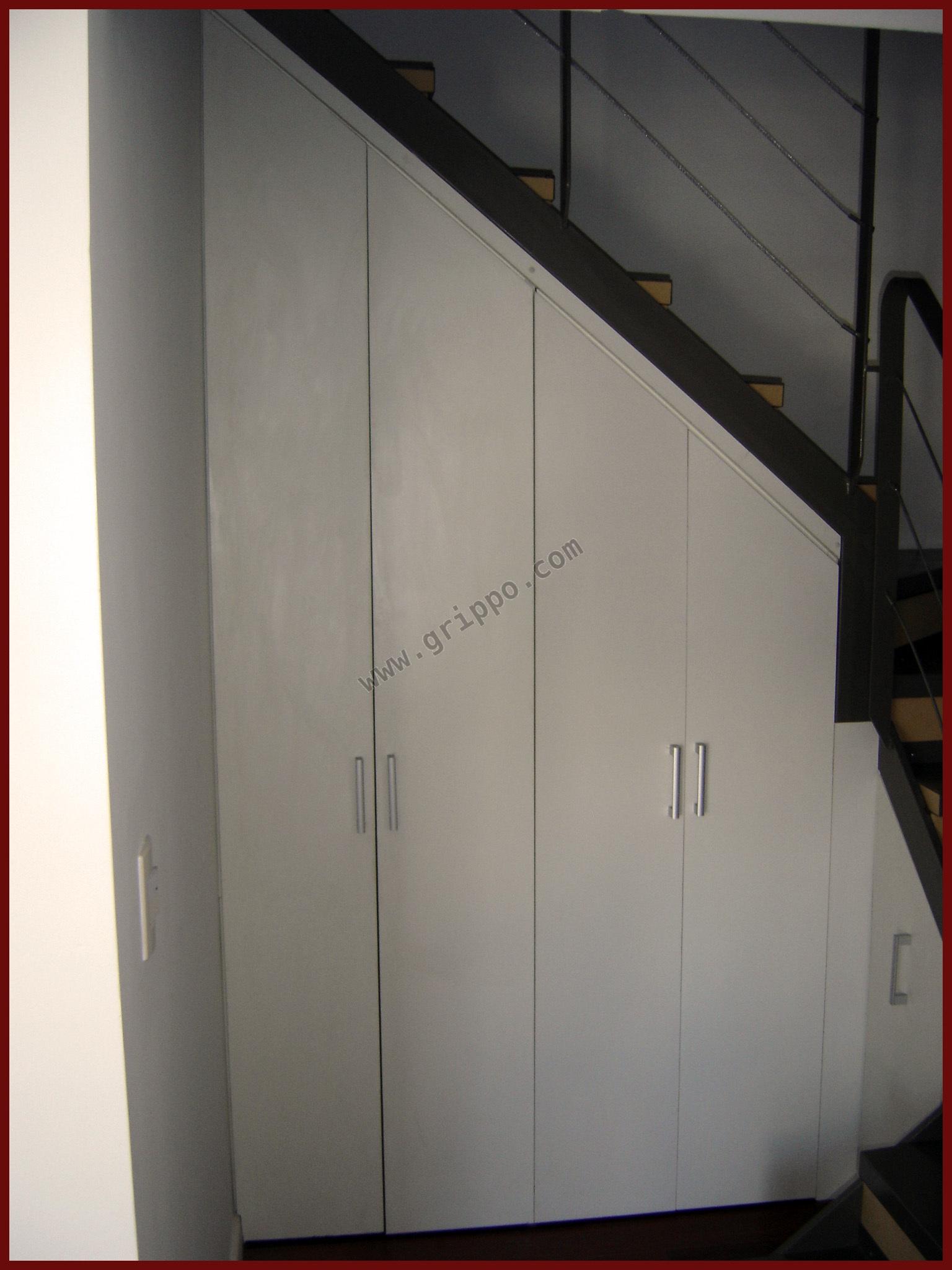 Mueble bajo escalera soluci n para espacios peque os - Muebles bajo escalera ...