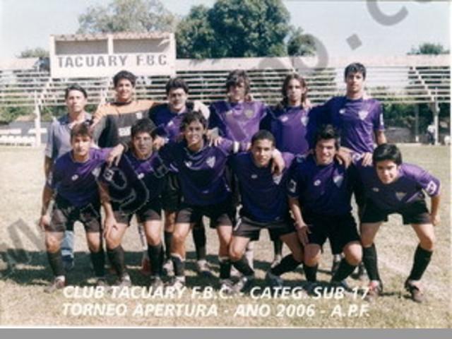 entrenador de futbol argentino busco trabajo