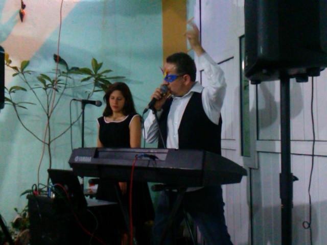Teclado y Cantante en México