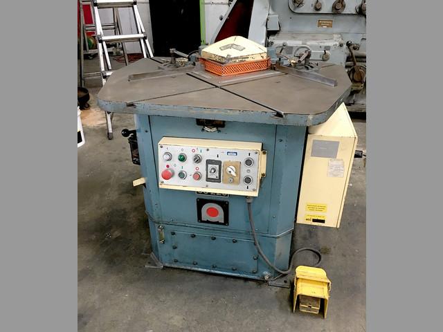 Esquineadora Hidráulica AMADA 10 Ton - Usada