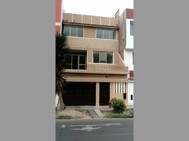 CASA URB. JOSE GALVEZ – BELLAVISTA   Casa de AT 90m2,  AC 207,  1er piso